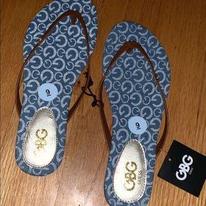 NWT Guess sandals/ flip flops